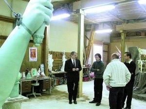 Visite du Député-Maire Gilbert Meyer à l'atelier Guillaume Roche