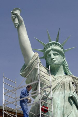 Emballage de la statue de la Liberté de Colmar